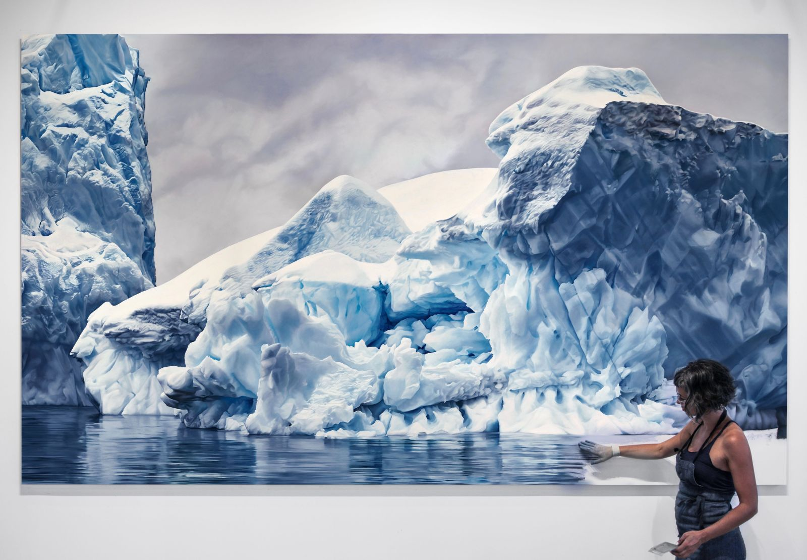https://jezebel.com/women-artists-are-bringing-the-reality-of-climate-chang-1794710222